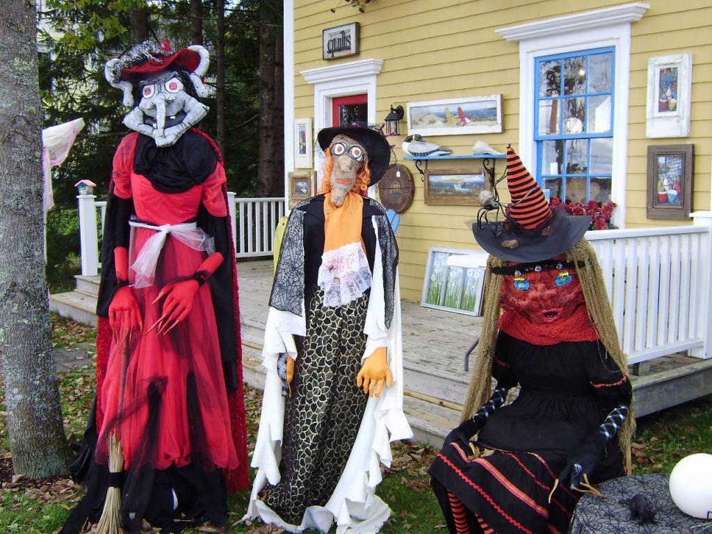 scarecrow witches