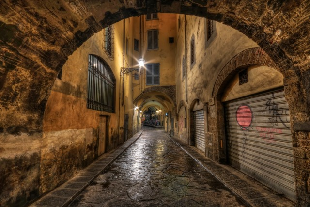 alleyway florence italy