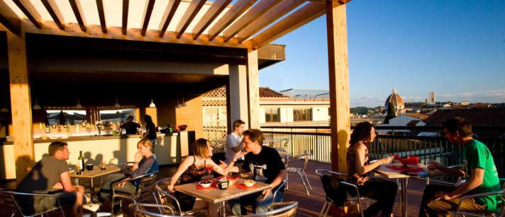 plus florence hostel rooftop bar