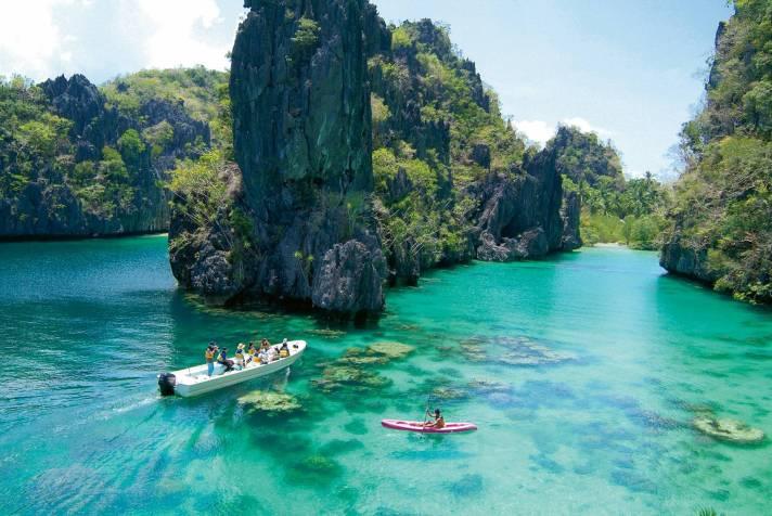 Kayangan-Lake-Coron-islands-Palawan-Philippines