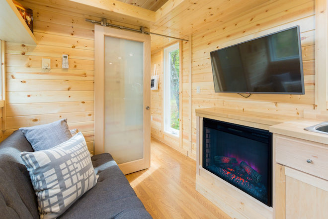 Tiny Home Designs: Escape Traveler XL Tiny House With Full-Size Appliances