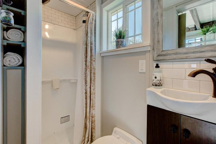 Huckleberry Tiny House bathroom