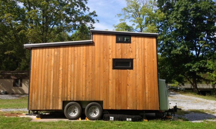 Tiny Solar House on Wheels