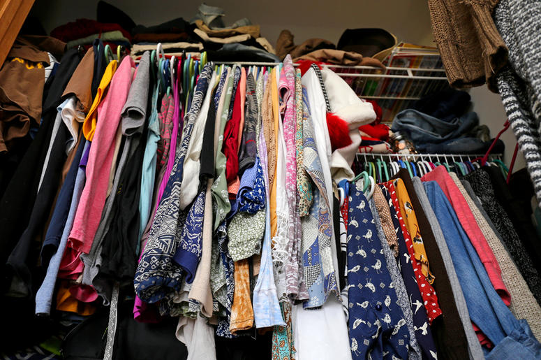 how to stop buying too many clothes