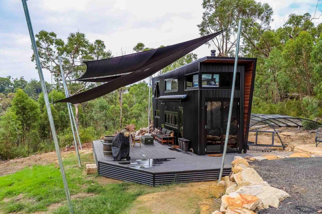 ultra modern luxury tiny house